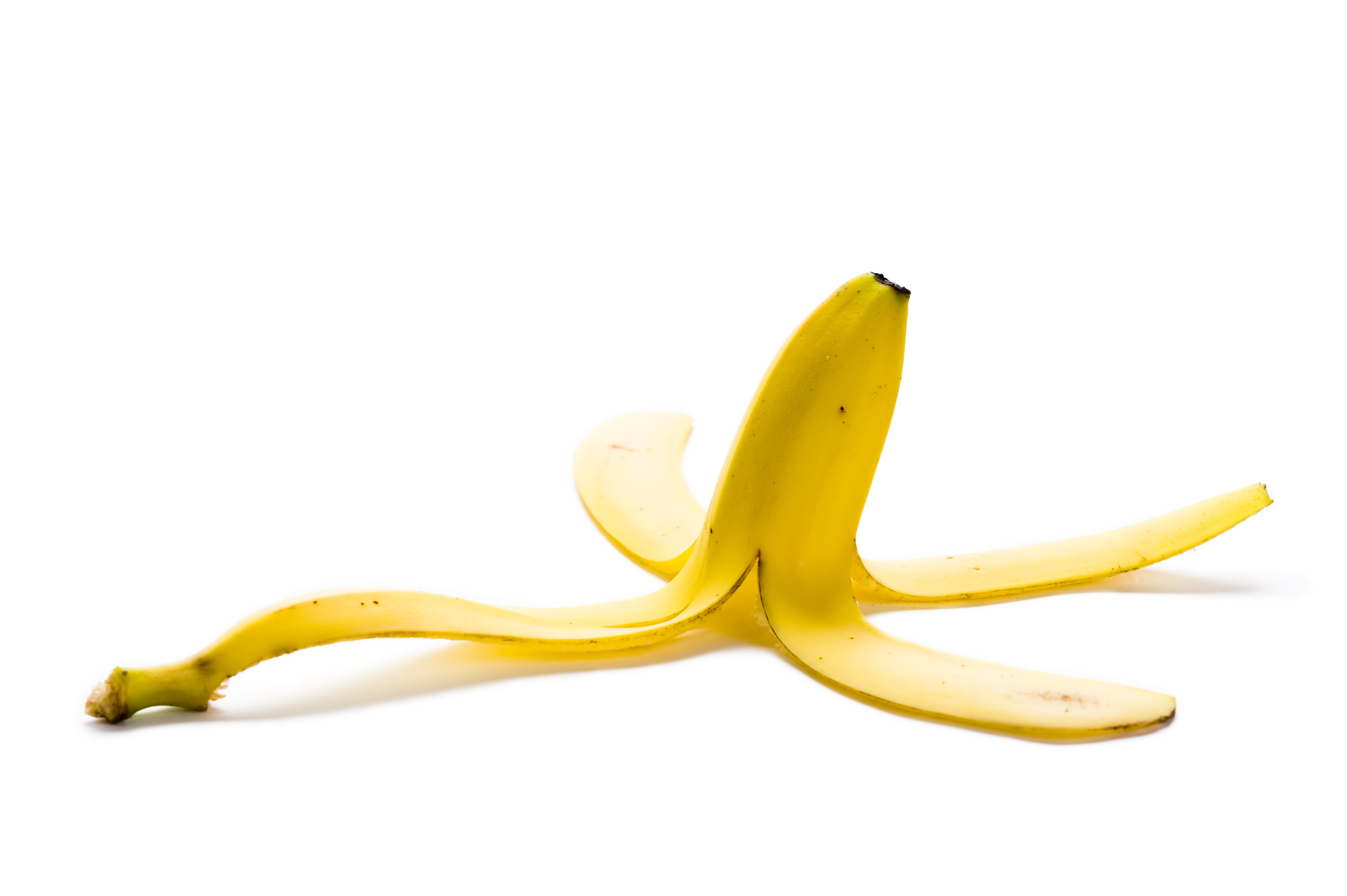 banana peel as an alternative for toothpaste One beauty blogger has uploaded a video claiming you can use banana peel to cure your acne, in a natural alternative to expensive skincare products.